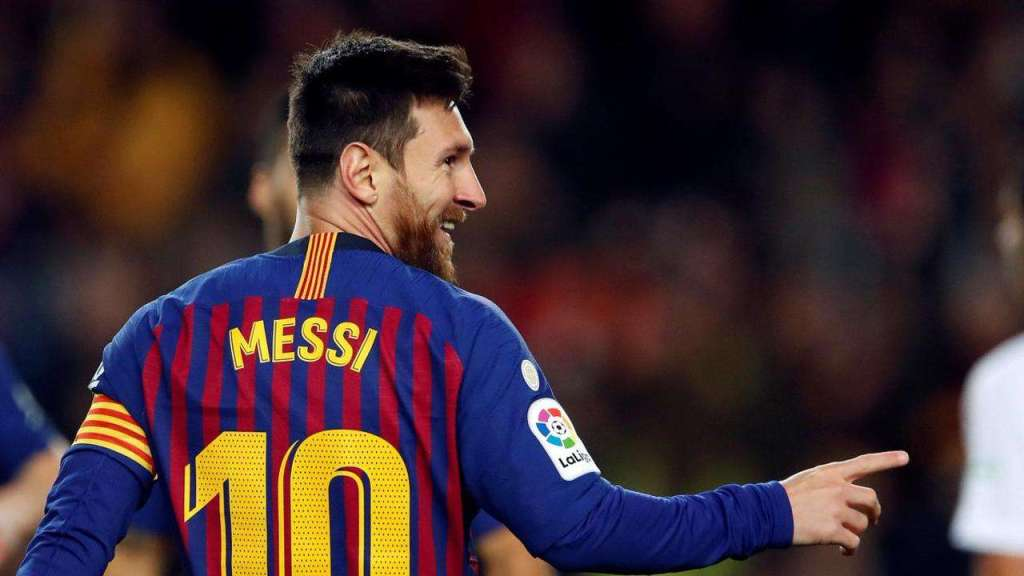 Lionel Messi scores Barcelona's 400th goal to breeze past Eibar!