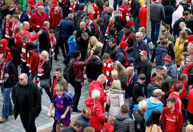 Bayern and Liverpool fans protest against high ticket fares!