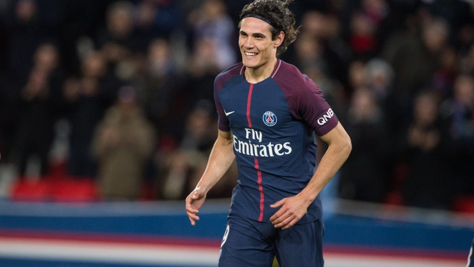 Cavani hands PSG transfer request