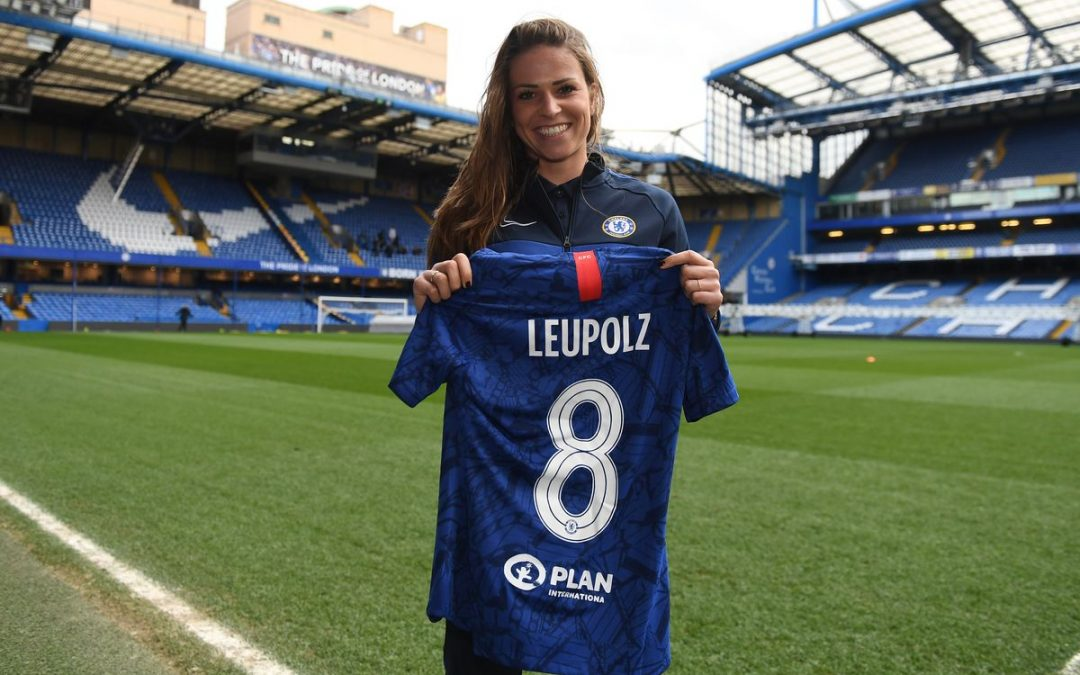 Chelsea Women land Germany's Melanie Leupolz